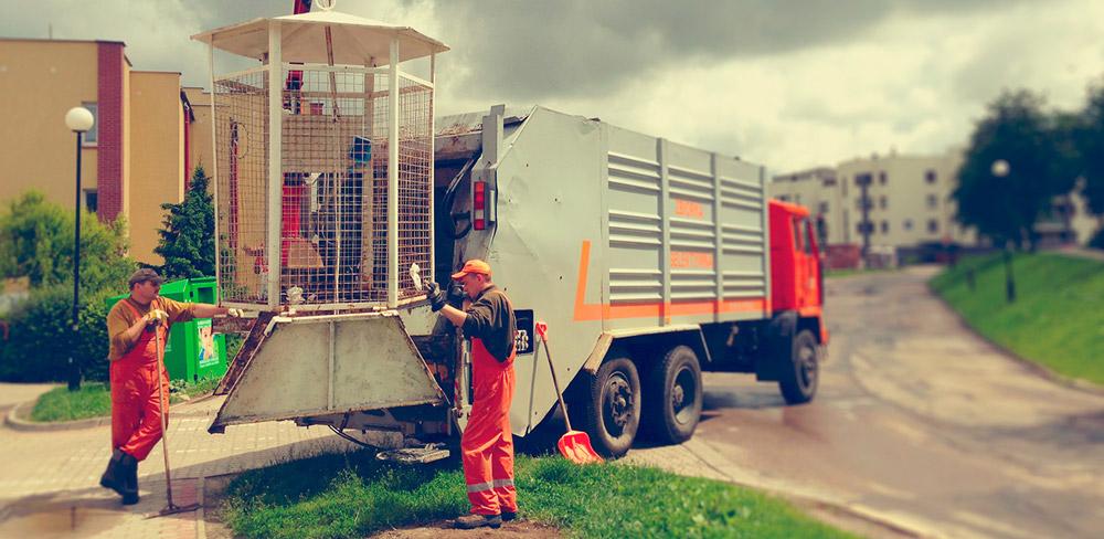 Typowy pojazd do odbierania frakcji suchej do dalszej segregacji SUK-POL.pl | ŚMIECI | GRUZ | ODPADY | KONTENERY | LUBLIN
